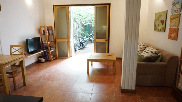 cheap 1  bedroom apartment in thuy khue street tay ho