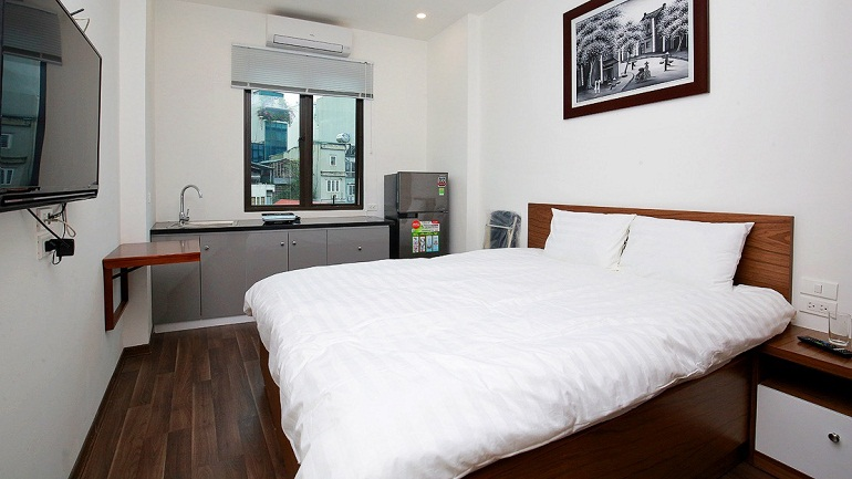 Nice modern studio apartment in Cat Linh street, Dong Da district for rent