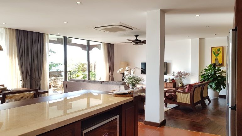 Luxury 2 – bedroom apartment with balcony in Yen Phu village, Tay Ho district for rent