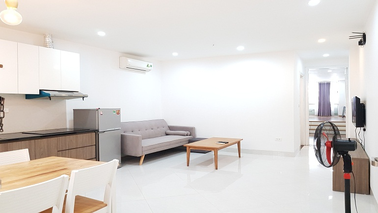 Spacious 1 – bedroom apartment in Nhat Chieu street, Tay Ho district for rent
